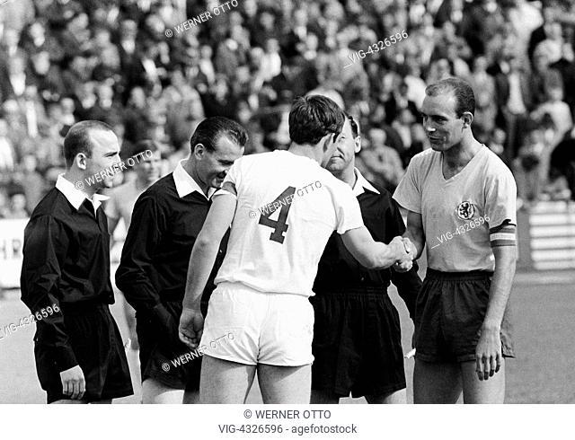 Fussball, Bundesliga, Saison 1966/1967, Stadion an der Hamburger Strasse, Eintracht Braunschweig gegen Borussia Moenchengladbach 2:1, Platzwahl