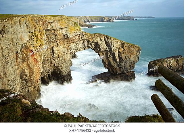 Green Bridge of Wales, Castlemartin, Pembrokeshire, Wales, UK