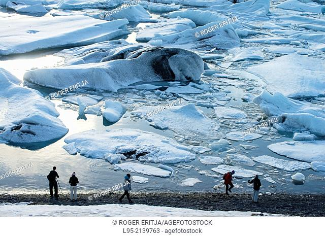 Jokullsarlon lagoon as the draining point of the Vatnajokull glacier, Iceland