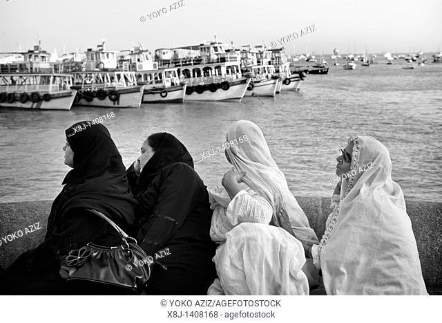 Islamic women, Mumbai, India