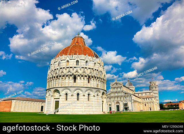 Pisa Baptistery of St John, Pisa Cathedral and the Leaning Tower of Pisa bell tower, Piazza dei Miracoli, Pisa, Italy