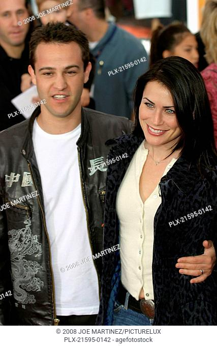 Dr. Seuss's: The Cat in the Hat Premiere 11-8-03 Rena Sofer and husband Sanford Bookstaver Photo By Joe Martinez