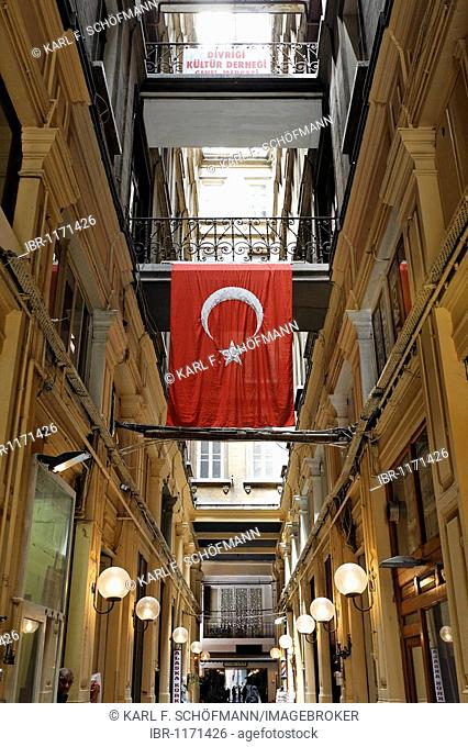 Shopping arcade from the 19th Century, Turkish flag, former suburb Pera, Istiklal Caddesi, Independence Street, Beyoglu, Istanbul, Turkey