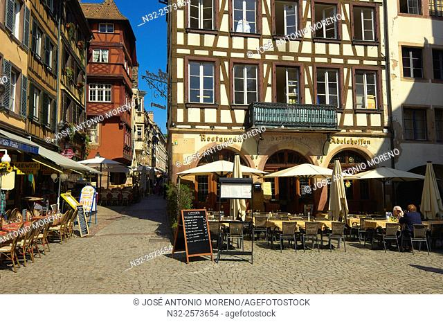 Strasbourg, Cathedral square, UNESCO world heritage site, Place Kleber, Alsace, Bas Rhin, France, Europe
