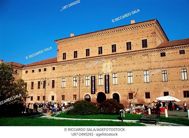 Italy, Emilia Romagna, Gualtieri, Piazza Bentivoglio Square, Bentivoglio Palace. . . .