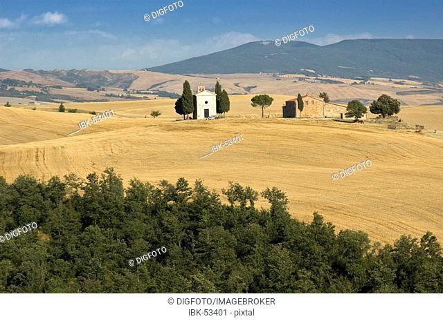Farm with chapel Cappella di Vitaleta and cypresses, Val d'Orcia, Tuscany, Italy