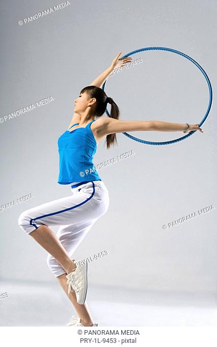 fashion eurythmics,hoop exercise