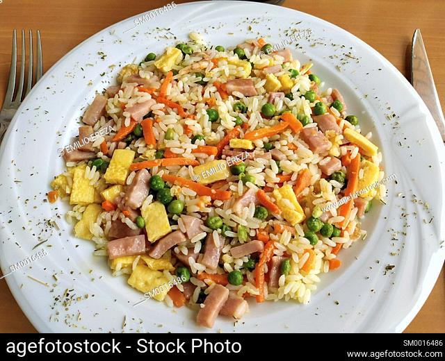 Rice with vegetables and ham