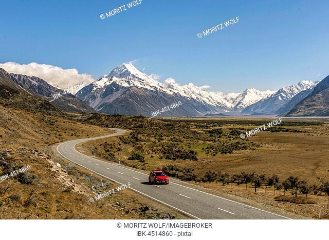 Curvy road to Mount Cook, Mount Cook National Park, Southern Alps, Canterbury Region, Southland, New Zealand