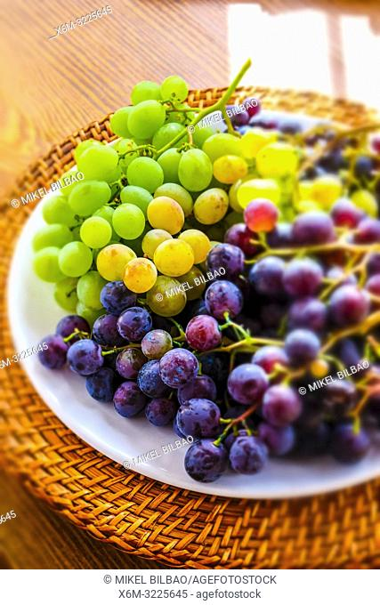 Plate of grapes