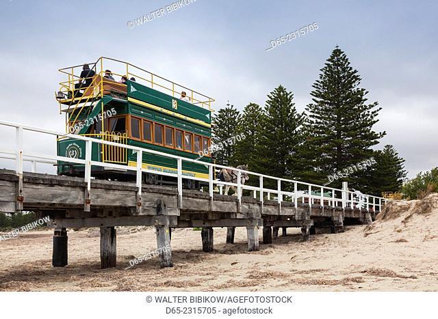Australia, South Australia, Fleurieu Peninsula, Victor Harbor, horse-drawn tram to Granite Island