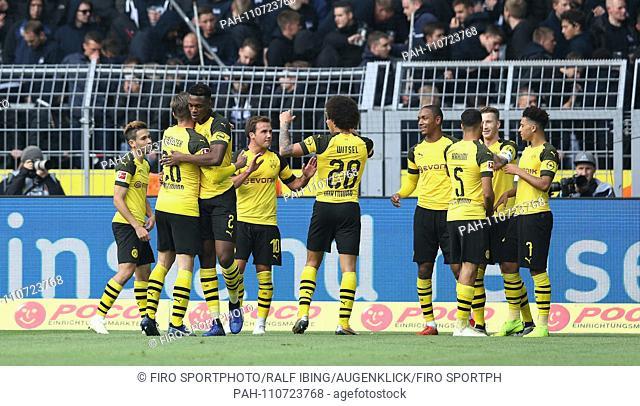 firo: 27.10.2018, football, 1.Bundesliga, season 2018/2019, BVB, Borussia Dortmund - Hertha BSC Berlin 2: 2 BVB jubilation around Jadon SANCHO   usage worldwide