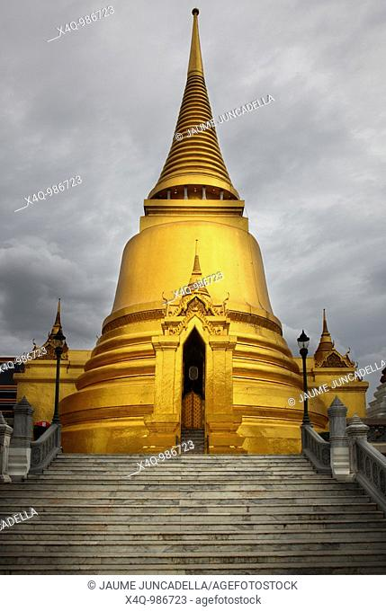 Golden Pagoda at Bangkok
