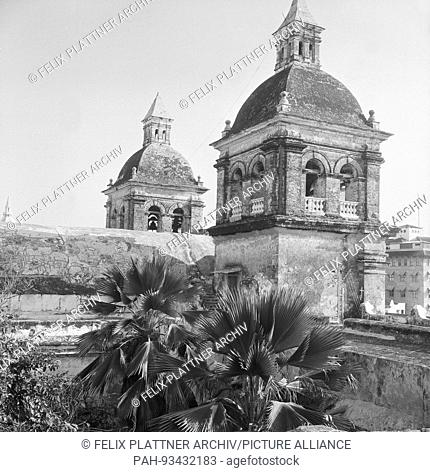 Towers of the Church of St. Peter Claver. Brother Schlesinger completed the Gotteshaus around 1760, Cartagena (Bolivar), Columbia, 1958