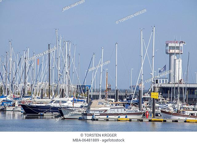 Yacht harbour, North Sea spa Cuxhaven, Lower Saxony, Germany, Europe