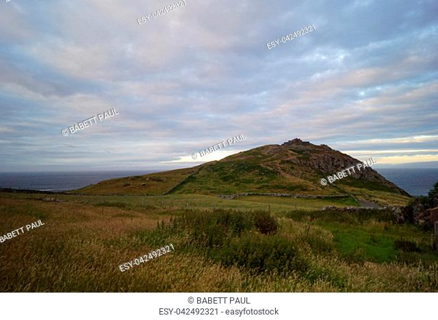 If you drive from Belfast in the direction of Giants Causeway always along the coast, comes across the Scenic Torr route and the Torr Head and the ruins