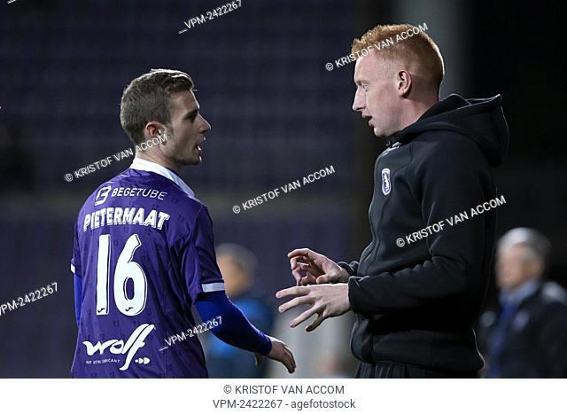 Beerschot's Tom Pietermaat and Beerschot's assistant coach William Will Still pictured during a soccer game between K. Beerschot VA and KSV Roeselare