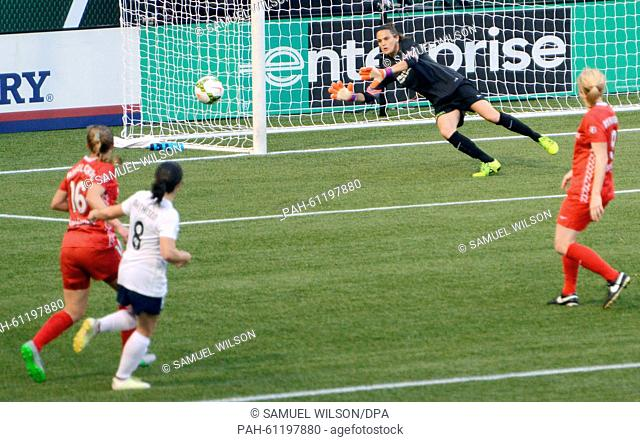 Portland Thorns goalkeeper Nadine Angerer (2-L) in action during her last home match of the season of the Portland Thorns against the Washington Spirit of the...