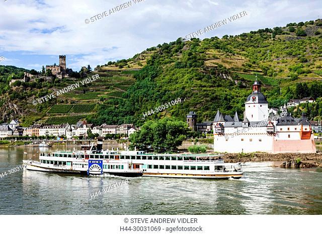 Germany, Rhineland-Palatinate, Rhine Valley, River Rhine, Kaub Castle and Pleasure Steamer