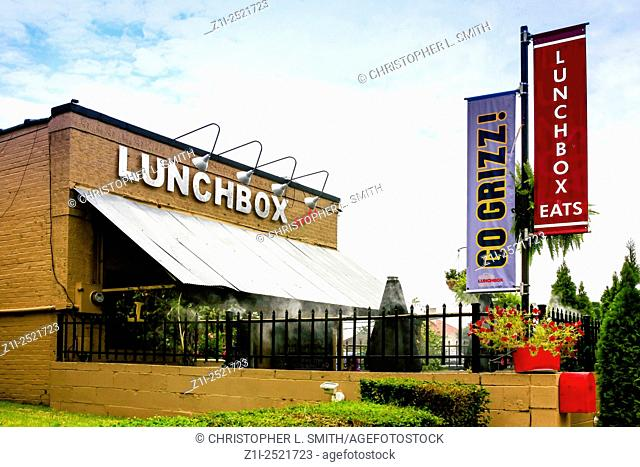 Lunchbox Eats American Restaurant in Memphis Tennessee - a new laid-back eatery on 4th street