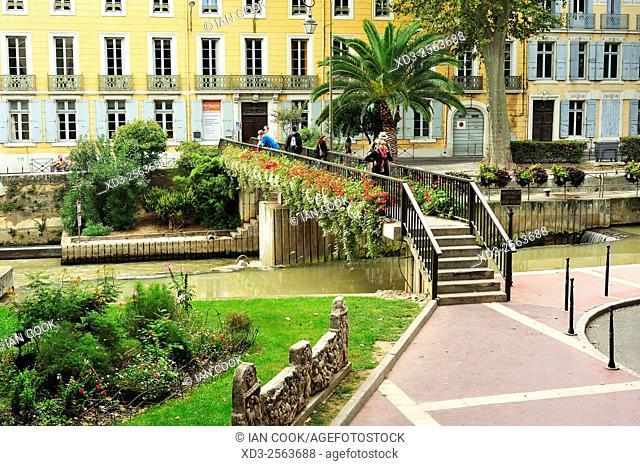 Passerelle entre deux villes, Narbonne, Aude Department, Languedoc-Roussillon, France