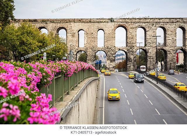 The Valens Aqueduct in Sultanahmet, Istanbul, Turkey, Eurasia
