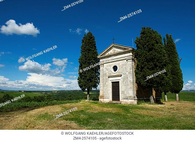 The Cappella di Vitaleta in the Val d'Orcia near Pienza in Tuscany, Italy
