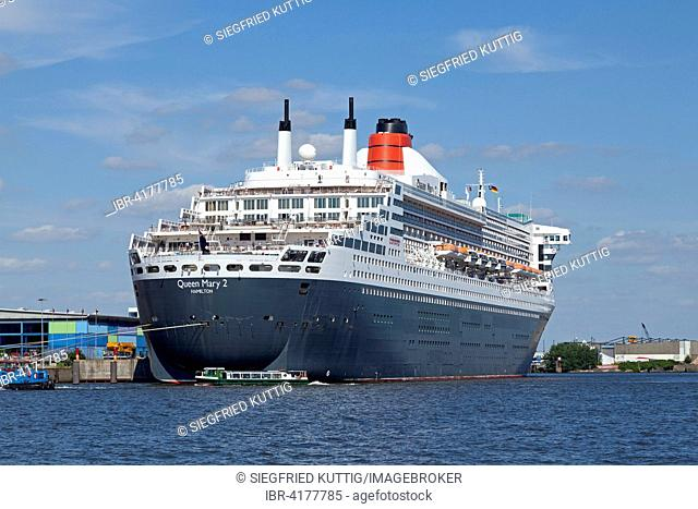 Queen Mary 2 lying at anchor, HafenCity, Hamburg, Germany