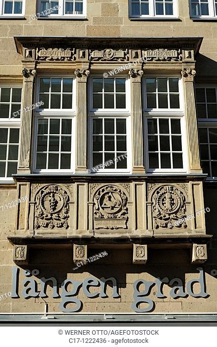 Germany, Muenster, Westphalia, Muensterland, North Rhine-Westphalia, bay windows at a business premises in the old town, renaissance