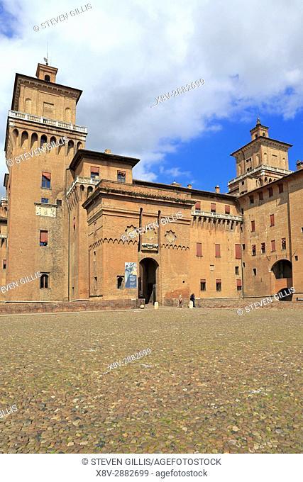 Estense Castle, Este Castle or Castello di San Michele, Ferrara, Emilia-Romagna, Italy, Europe