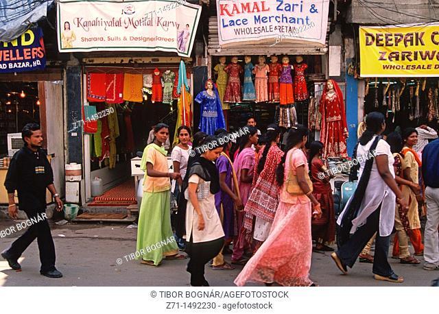 India, Andhra Pradesh, Hyderabad, Laad Bazaar, shops, people
