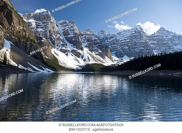 Moraine Lake Wennkchemna Peaks Banff National Park Alberta Canada