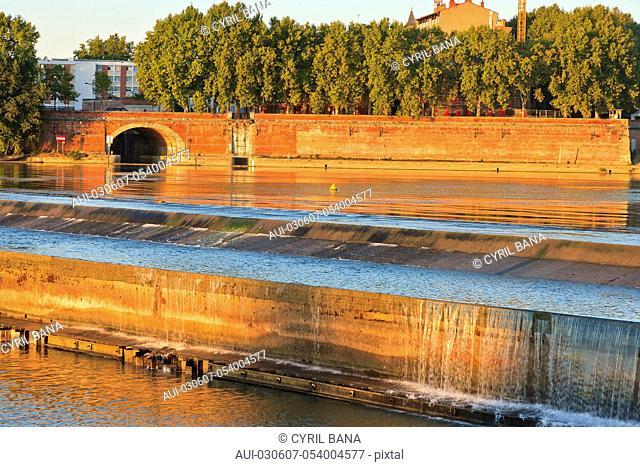 France, Toulouse, [Garonne river banks], reflection