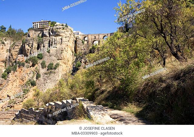 Spain, Andalusia, Ronda, historical small town, connection Old Town 'La Ciudad' and Neustadt 'El Mercadillo' by the 90-m-high bridge 'Puente Nuevo'