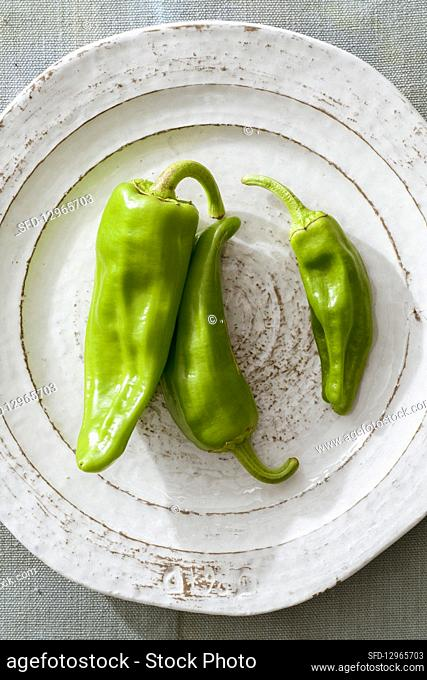 Green chilli peppers (mild)