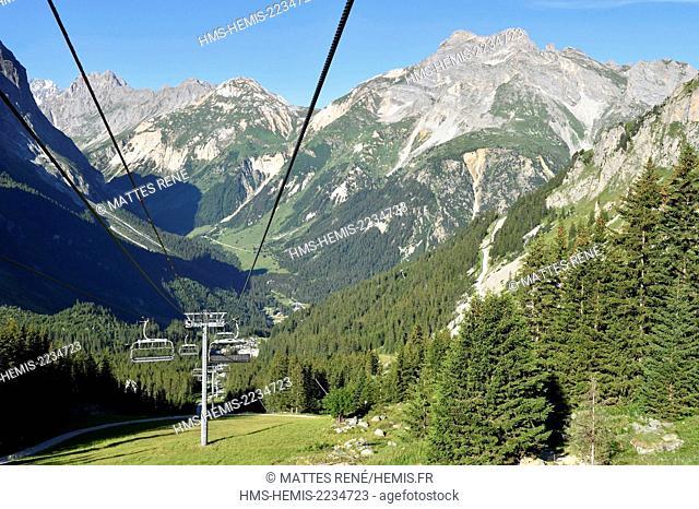 France, Savoie, Pralognan La Vanoise, chair-lift to the Refuge des Barmettes and GR55 path