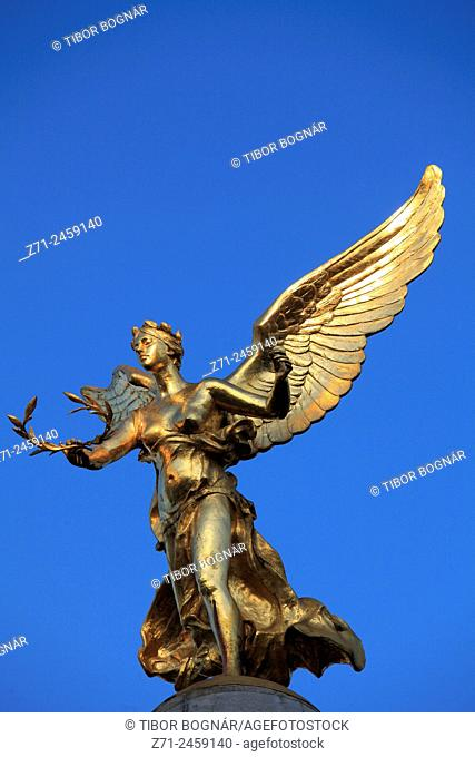 France, Champagne-Ardenne, Reims, Subé Fountain, Winged Victory statue