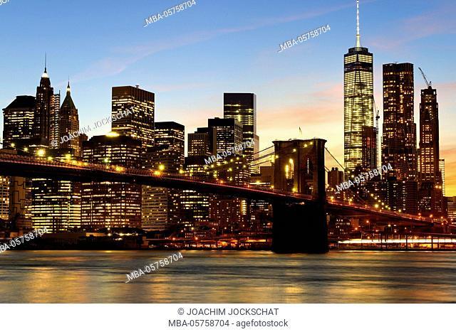 Brooklyn Bridge with view on the skyline of Manhattan, New York City, Manhattan, USA