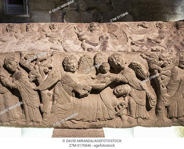 Detalle de un sepulcro del Panteón de los Infantes. Monasterio de Santa María la Real. Nájera. La Rioja. Spain