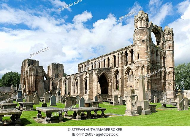 Cathedral and cemetery ruins, Elgin, Eilginn Muireibh, Moray, Scotland, United Kingdom