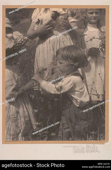 Happy Days. Artist: Gertrude Käsebier (American, 1852-1934); Date: 1902; Medium: Platinum print; Dimensions: 19.8 x 14.9 cm. (7 13/16 x 5 7/8 in