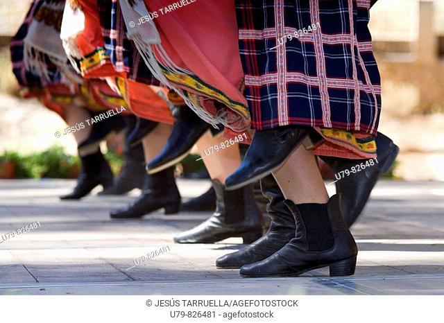 XIX Festival de Folklore, 2008 Villena, 13 and September 14, music and dance group 'andalucía 2'; Cadiz, folk group 'villa de Madrid'