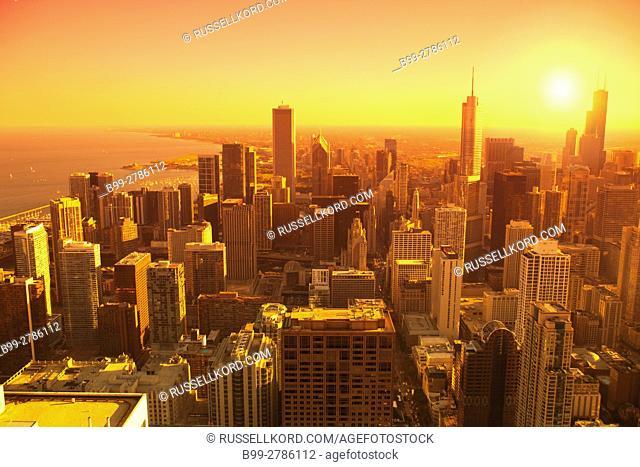 LOOP SKYLINE DOWNTOWN CHICAGO ILLINOIS USA