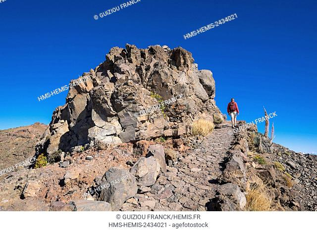 Spain, Canary Islands, La Palma island declared a Biosphere Reserve by UNESCO, Caldera de Taburiente National Park, hiking to Roque de los Muchachos