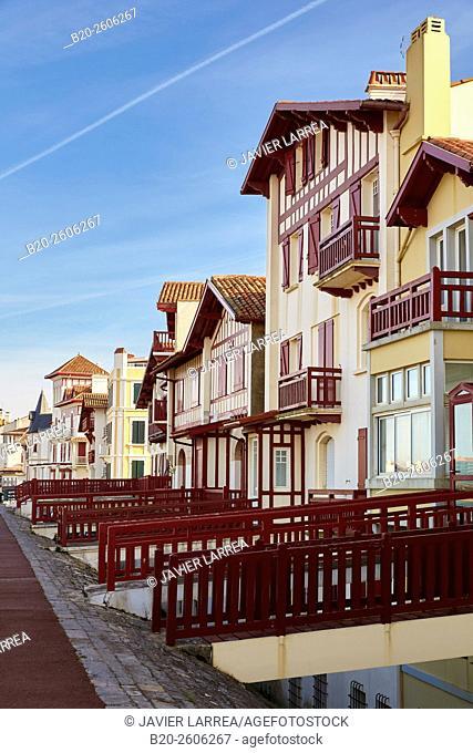 Promenade Jacques Thibaud, Beach, Saint-Jean-de-Luz, Aquitaine, Pyrenees-Atlantiques, France