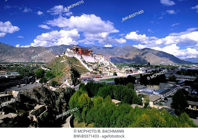Potala Palace on mountain range, the home of the Dalai Lama, China, Tibet, Lhasa