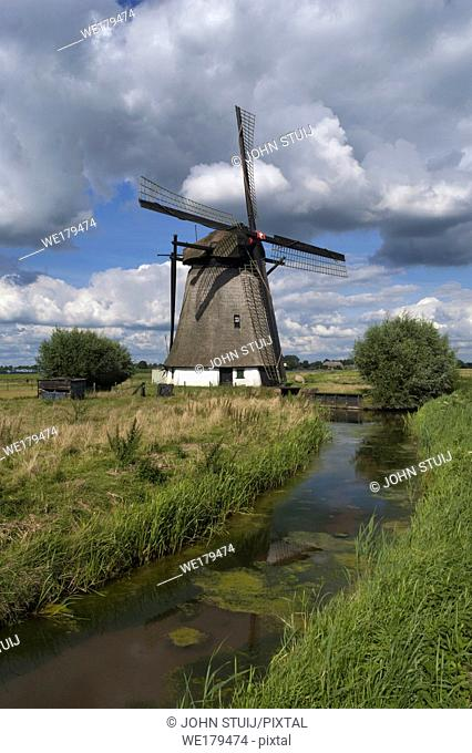 Oude Doornse mill is a windmill near Almkerk in the Dutch province Noord-Brabant