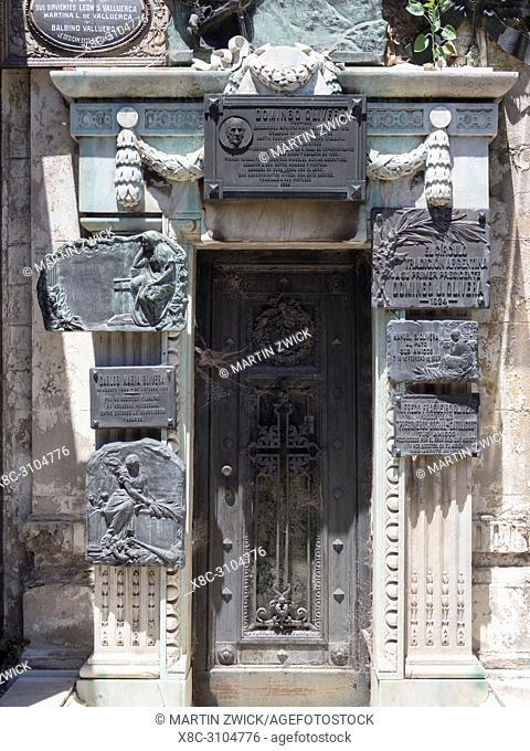 Recoleta cemetery (Cementerio de la Recoleta). Buenos Aires, the capital of Argentina. South America, Argentina, November