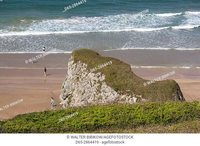 UK, Northern Ireland, County Antrim, Portrush, elevated view of Curran Strand beach