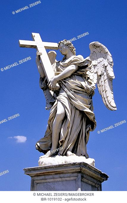 Angel scupture by Bernini, on the Ponte Sant Angelo Bridge crossing the Tiber River, Rome, Italy, Europe